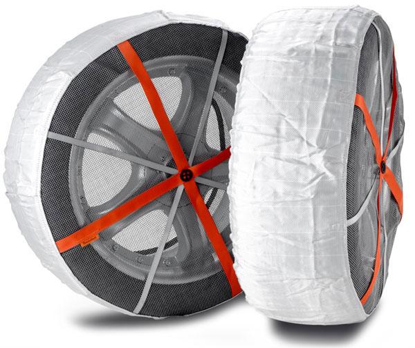 chaussettes à neige montées sur roue